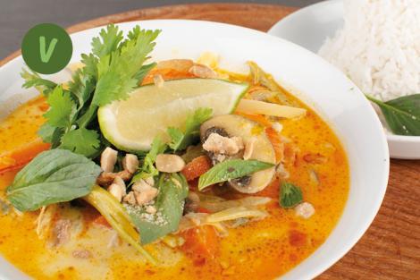 Rotes Thai Curry mit Erdnuss und Basmati