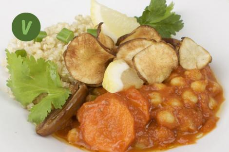 Marokkanische Kichererbsen mit Quinoa und Topinambur Chips